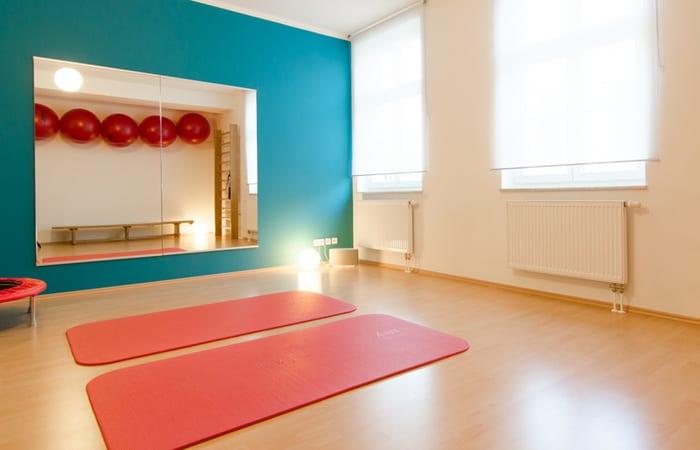 Physiotherapeut Leipzig Zentrum - Physiotherapie im Schuhmanns Eck - Osteopathie - Lymphdrainage - Krankengymnastik - Sylvi Westphal-Doll - Yoga